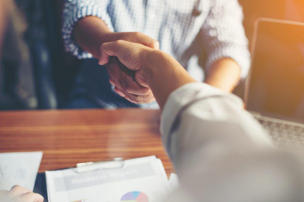 経営者と後継者、事業承継って何をすればいいの?